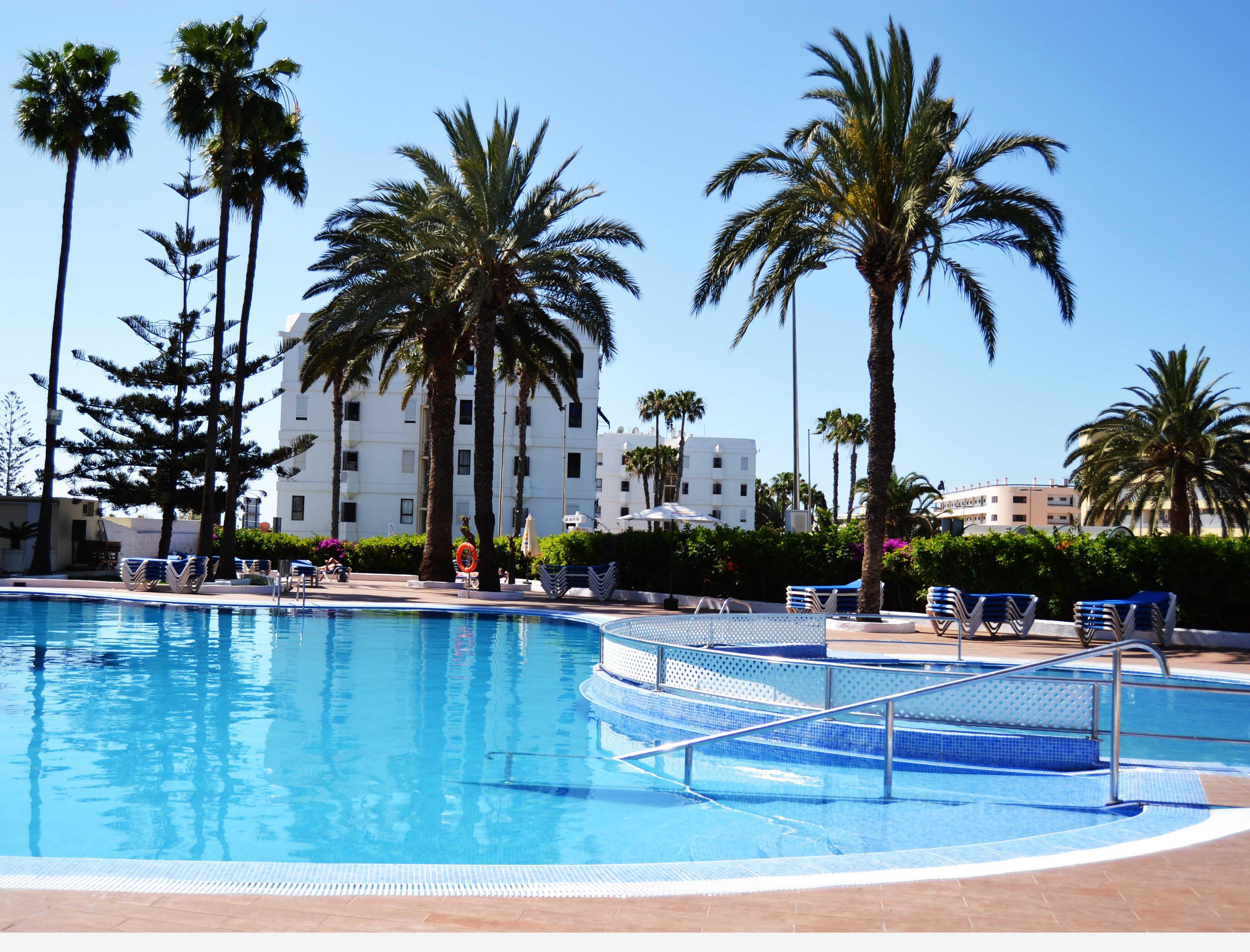 Fotos hotel playa del sol web oficial for Piscina playa del ingles